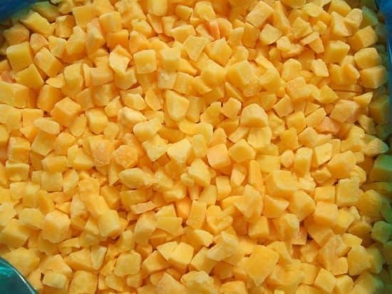Персик кубик замороженный